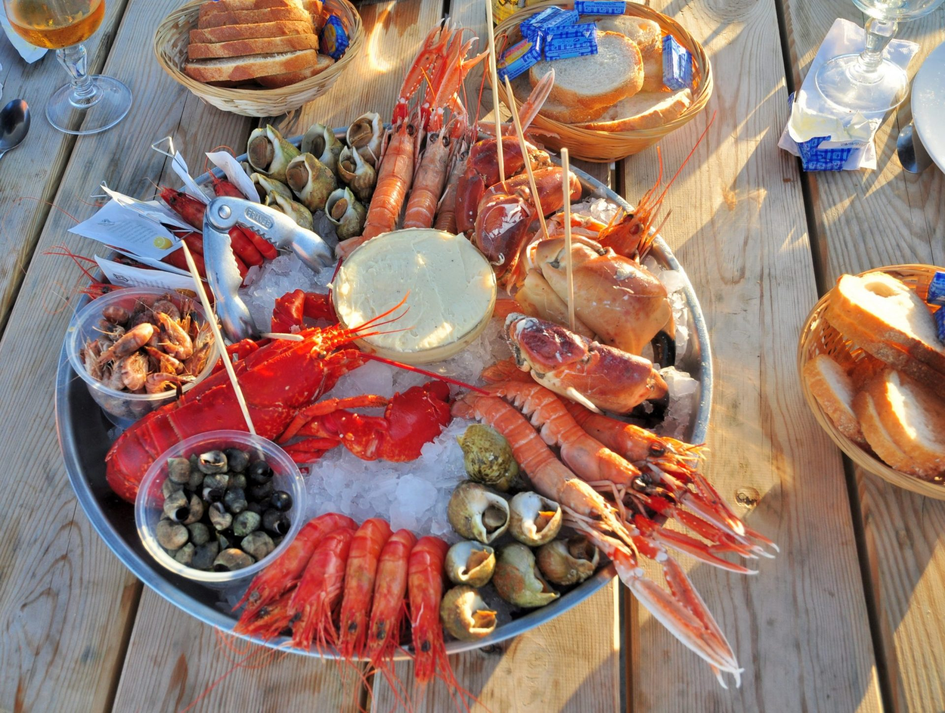 Hosting the Perfect New England Clambake